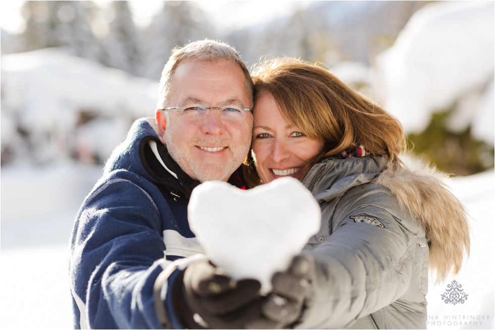 snow heart makes a perfect prop for a winter engagement shoot in st. anton am arlberg - Blog of Nina Hintringer Photography - Wedding Photography, Wedding Reportage and Destination Weddings