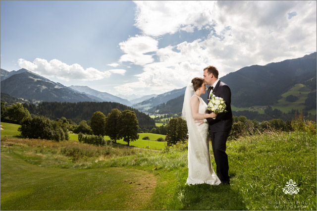 Golf Course Destination Wedding at the Grand Tirolia Golf & Ski Resort Kitzbühel with Julie & Jan - Blog of Nina Hintringer Photography - Wedding Photography, Wedding Reportage and Destination Weddings