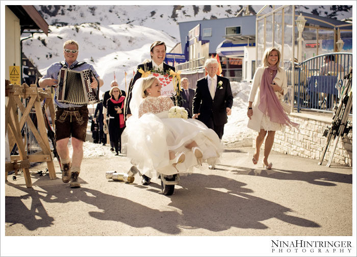 Anne & Christian - Part 2 | St. Christoph am Arlberg - Blog of Nina Hintringer Photography - Wedding Photography, Wedding Reportage and Destination Weddings